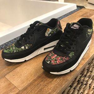 Nike Air Max 90 Women's Running Shoes